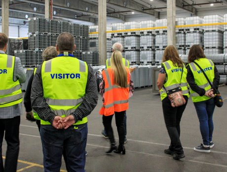 The factory tour gave visitors a chance to see the ultra-modern production lines and efficient internal logistics.